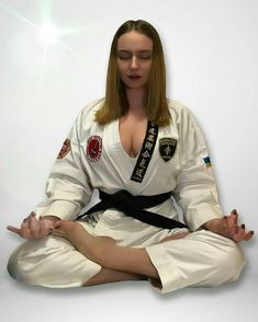 Check the webpage to read Taekwondo Girl, Karate Girl, Fit Women, Sexy Women, Martial Arts Techniques, Martial Arts Workout, Martial Arts Women, Martial Artists, Action Poses