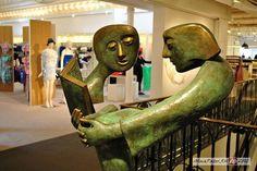 Памятник читателям в Париже, Франция