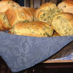 Green Bread (aka Spinach Rolls) | Made Just Right by Earth Balance #vegan #plantbased #earthbalance #recipe #spinach