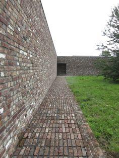pavilion insel hombroich foundation, neuss Brick Masonry, Brick Path, Brick Facade, Brick And Stone, Brick Architecture, Landscape Architecture Design, Architecture Details, Brick Works, Brick Detail