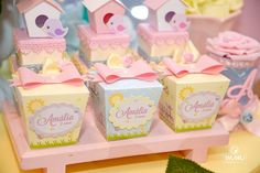 A imagem pode conter: comida Paper Crafts, Diy Crafts, My Sunshine, Gift Bags, Party Favors, Marie, Decoration, Birthday Parties, Baby Shower
