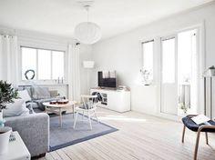 Un piso blanco y gris lleno de luz estilo nórdico escandinavo gris decoración pisos pequeños decoración interiores nórdicos decoración blanco y gris cocinas blancas modernas pequeñas blog decoración nórdica