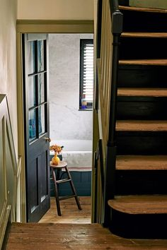 Pedro da Costa Felgueiras Georgian house in east London | House & Garden Georgian Interiors, Georgian Homes, English Country Cottages, English Manor, East End London, Victorian Cottage, London House, Modern Bedroom Design, Staircase Design