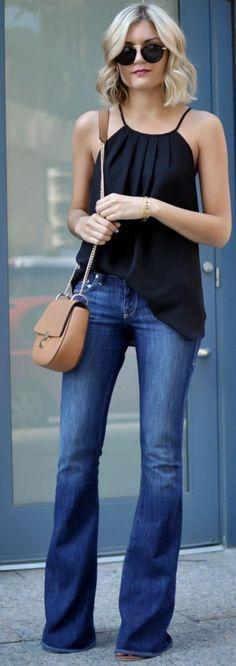 Regata Preta + Calça Jeans Flare