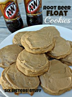Root Beer Float Cookies- if you love root beer, these cookies are for you! SixSistersStuff.com