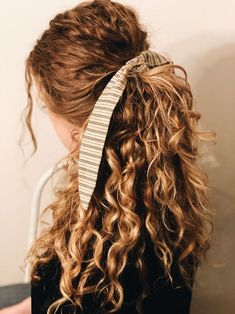 45 ways to style hair scarf, head scarf styles for short hair, how to wear a hair scarf ponytail, head scarf wrapping styles, hair scarf trend 2019 scarf hairstyles for long hair Curly Hair Styles, Hair Scarf Styles, Natural Hair Styles, Spring Hairstyles, Ponytail Hairstyles, Pretty Hairstyles, Curly Hair Ponytail, Naturally Curly Hairstyles, Office Hairstyles