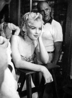 Marilyn Monroe - Dennis Stocks Iconic Hollywood Portraits and Stunning Street Scenes - My Modern Metropolis Marylin Monroe, Joven Marilyn Monroe, Fotos Marilyn Monroe, Young Marilyn Monroe, Hollywood Glamour, Classic Hollywood, Old Hollywood, Hollywood Actresses, Jean Simmons