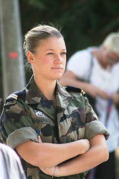 French Army Women in Uniform: Photo Military Girl, Military Jacket, French Armed Forces, Amazing Women, Beautiful Women, Military Branches, French Army, Military Women, Female Soldier