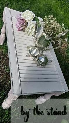 DIY Repurposed Shutter Ideas - diy shutter table, painted furniture, repurposing upcycling, woodworking projects You are in the rig - Shutter Projects, Diy Wood Projects, Furniture Projects, Furniture Makeover, Furniture Plans, Furniture Stores, Furniture Websites, Lathe Projects, Furniture Assembly