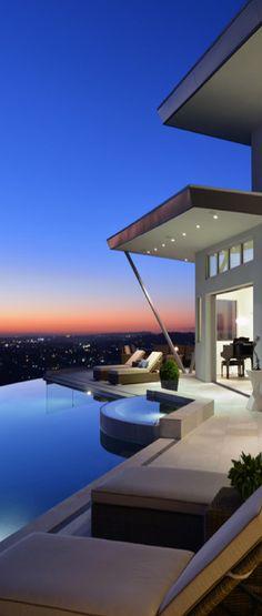 modern home, infinity pool, city skyline