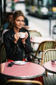 Whether you're looking for a good Sunday brunch or a cute café to simply drink coffee and people watch, KATE TIK brings enomorus dresses for every mood and find  best cafe places for you in Paris like Café Kitsune, Café de Flore, La Bossue, HolyBelly, Café de la Paix etc. @jesualdopariach @paedith @khristinavo