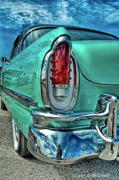 Vintage Cars This Taillight by Lynn Wiezycki is amazeballs! Great colors, textures, reflections, just awesome! Retro Cars, Vintage Cars, Antique Cars, Vintage Auto, Carros Retro, Mercury Cars, Pontiac Bonneville, Ford Classic Cars, Automotive Art