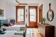 Take note of this interior designer's best kids' room ideas before you start shopping. They're life-savers Leaded Glass Cabinets, Glass Cabinet Doors, Limestone House, Pretty Room, Kids Room Design, Interiores Design, Modern Furniture, Brooklyn, Home Decor