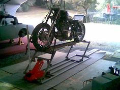 http://www.caimag.com/forum/showthread.php?4673-Homemade-motorcycle-stand