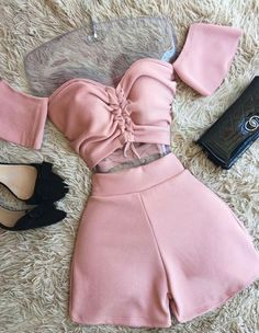 Girls Fashion Clothes, Teen Fashion Outfits, Edgy Outfits, Swag Outfits, Short Outfits, Look Fashion, Girl Outfits, Clothes For Women, Cute Comfy Outfits