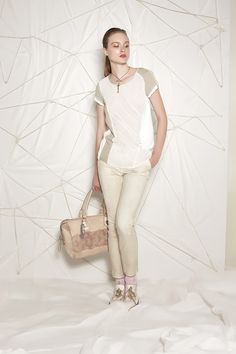 #danieladallavalle #collection #ss16 #elisacavaletti #tshirt #trousers #socks #shoes #necklace #bag #jewellery #gold #white #beige #brown #pink #purple #leather