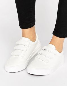 Buy it now. New Look Triple Strap Trainer - White. Trainers by New Look, Faux-leather upper, Triple-strap design, Slim sole, Wipe with a damp cloth. ABOUT NEW LOOK Transforming the coolest looks straight from the catwalk into wardrobe staples, New Look joins the ASOS round up of great British high street brands. Get it or regret it with its weekly drops of essential coats, statement partywear and sleek boots, from ankle to over-the-knee styles. , deportivas, sport, deporte, deportivo…