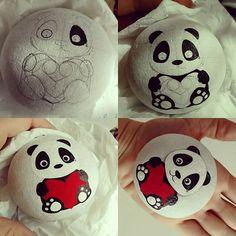 Un pedido especial, fuera de mi trabajo habitual... personalizado  para Carlos. Y no es un !!!   #amano #sassidipinti #stonepainting #handmadespain #inkart #corazon #quiero #tasboyama #piedraspintadas #animales #quexulo  #redlove #painted #dibujarte #gift #regalar #panda #osos #bonito #acrilicart #pandadesign #blanco #paintpen #artofinstagram #pedreta