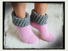 Excellent Totally Free Crochet slippers non slip Ideas Kostenlose Häkelanleitung Haussocken Crochet Socks Pattern, Crochet Slippers, Knitting Patterns Free, Crochet Patterns, Blanket Patterns, Crochet Gratis, Free Crochet, Bracelet Crochet, Easy Knitting Projects
