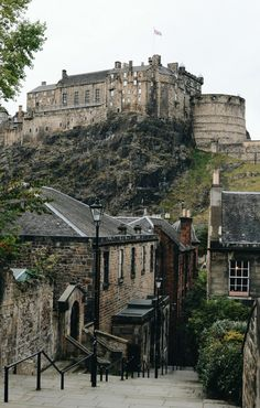 Wondering what to do in Edinburgh, Scotland? Here are 12 things to do that you won't want to miss!