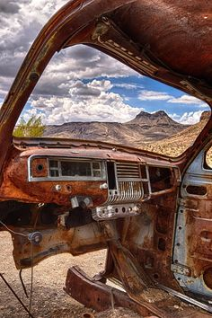 Rusty , But. complete with a view. Road 66, Route 66 Road Trip, Travel Route, Back Road, Abandoned Cars, Abandoned Places, Abandoned Vehicles, Pompe A Essence, Rust In Peace
