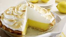 Enie backt: Rezept-Bild Zitronenkuchen mit Baiserhaube Dessert Oreo, Mousse Dessert, Eat Dessert First, Lemon Desserts, Summer Desserts, No Bake Desserts, Meringue Recept, Meringue Cake, Sweet Recipes