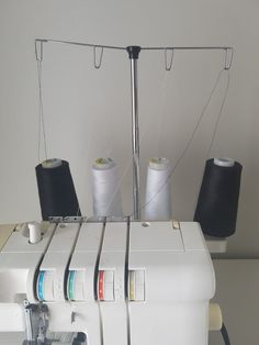 Vinkki saumurin langoitukseen - Kaavatar Sewing Tutorials, Sewing Crafts, Sewing Projects, Diy, Home Decor, Patterns, Ideas, Block Prints, Decoration Home