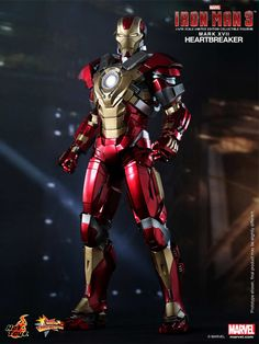 Hot Toys – MMS212 – Iron Man 3: 1/6th scale Heartbreaker (Mark XVII) Limited Edition Collectible Figurine | YouBentMyWookie