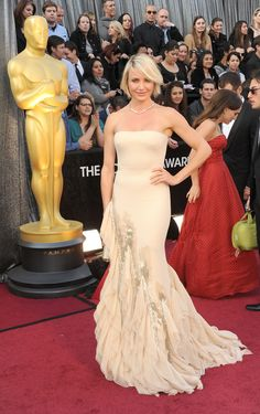 Cameron Diaz Beautiful dress! Maybe in a different color though....