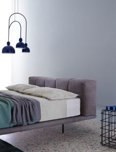 The pixel bed is soft in the entirety of its design. It offers a generous and comforting single volume thanks to the ample padding of the upholstered structure and rounded corners. The bed frame an… Floor Bed Frame, Bedroom Furniture, Furniture Design, Types Of Beds, New Beds, Bedding Collections, Upholstery, Pastel, Interior Design