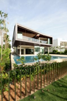 Stereoscopic House by Pencil Office http://www.homeadore.com/2012/09/19/stereoscopic-house-pencil-office/