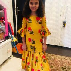 Its soo nice Kids Indian Wear, Kids Ethnic Wear, Kids Dress Wear, Kids Gown, Baby Dress Design, Frock Design, Baby Girl Dresses, Girl Outfits, Kids Party Wear