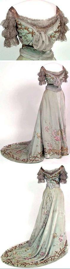 Silk (velvet and chiffon) blonde cotton machine lace lamé glass beads metallic embroidery silk lining. 1900s Fashion, Edwardian Fashion, Vintage Fashion, Antique Clothing, Historical Clothing, Moda Fashion, Fashion Models, Women's Fashion, Vintage Gowns