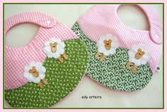 moutons Diy Baby Gifts, Baby Crafts, Baby Sewing Projects, Sewing For Kids, Baby Applique, Patchwork Baby, Cross Stitch Baby, Baby Booties, Baby Patterns