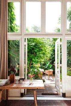 Doesn't need to be bi-fold doors - could be glass panels
