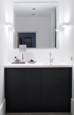 dit is m !      Piet Boon Styling by Karin Meyn | Bathroom, black and white contrast