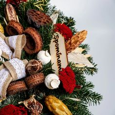 Aranžmán so živým základom 4 | Kvety pre Vás Wreaths, Fall, Decor, Autumn, Decoration, Door Wreaths, Fall Season, Deco Mesh Wreaths, Decorating