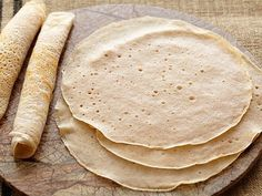 Cooking Channel serves up this Quick Injera recipe plus many other recipes at… Quick Injera Recipe, Ethiopian Cuisine, Ethiopian Recipes, Ethiopian Food Injera, Ethiopian Bread, Food Network Recipes, Food Processor Recipes, Injera Bread, Braised Cabbage