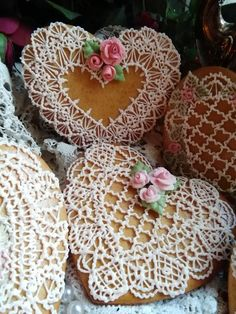 Hearts with crochet piping and pink roses, by Teri Pringle Wood