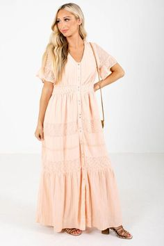 Family Portrait Outfits, Family Photo Outfits, Family Photos, Nursing Clothes, Nursing Outfits, Boutique Maxi Dresses, Bridesmaid Inspiration, Colorful Heels, Dress Outfits