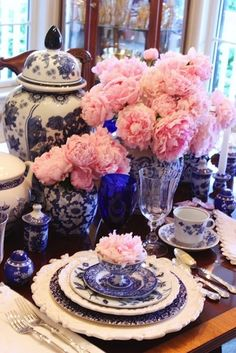 BLUE WILLOW AND PINK PEONIES TABLESCAPE. White Table SettingsWhite ... : importance of table setting - pezcame.com