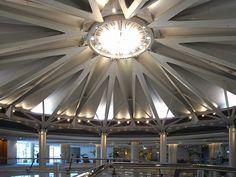 No.243-2 広島プリンスホテル 池原義郎建築設計事務所 広島市南区 1994年 http://ja.wikipedia.org/wiki/%E6%B1%A0%E5%8E%9F%E7%BE%A9%E9%83%8E この時代のプリンスホテルは、設計者が違えどテイストが良く似ている。