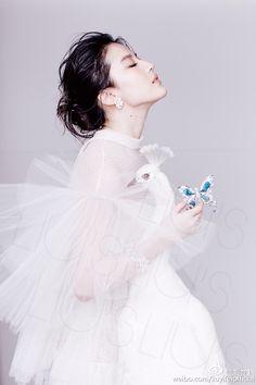 #芭莎珠宝2015年12月刊 #最具仙气儿的封面女郎 #刘亦菲 #Bazaar Jewelry