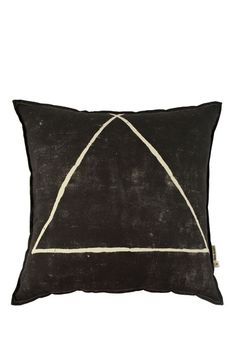 three points pillow cover.