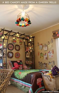Bed canopy made from a garden trellis and 15 other amazing do it yourself home ideas