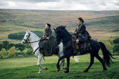 Here are some HQ stills of Outlander episode 2×09 'Je Suis Prest' See more stills after the jump