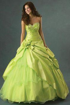 Shop for ball gowns quinceanera dresses with different styles at QueenaDress. Ball gowns for sale with the biggest discounts for customers. Ball Gowns Prom, Ball Gown Dresses, Evening Dresses, Prom Dresses, Wedding Dresses, Dress Prom, Taffeta Dress, Dresses 2016, Bridesmaid Dresses
