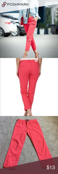 Calvin Klein skinny crop pants Pinkish pants by Calvin Klein jeans. Wore only a few times. Size 6 women's Pants Skinny