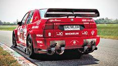 Você já reparou que o Alfa 155 V6 Ti que competia no DTM tinha as saídas de escape voltadas para cima? Mas por que elas eram assim? O FlatOut explica!