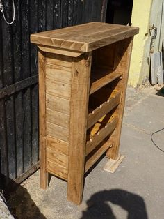 Cabinet to store bottles of wine made from one upcycled wooden pallet. Don't Miss Our Contest Enter & WIN a … Repurposed Wood, Recycled Pallets, Wooden Pallets, Pallet Benches, Pallet Couch, Pallet Tables, Outdoor Pallet, Outdoor Ideas, Pallet Furniture Designs
